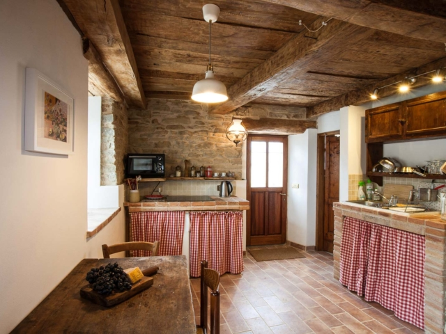 kitchen cavalenzano self catering rooms